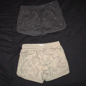 2 girls shorts